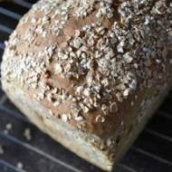 Chleb ziołowy z płatkami żytnimi
