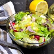 Lekka sałatka z selerem naciowym i sałatą (263 kcal)