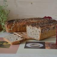 Chleb żytnio-orkiszowy z ziarnami na zakwasie