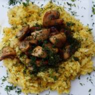 Smażony ryż z chrupiącymi pieczarkami, czyli awaryjny wege obiad