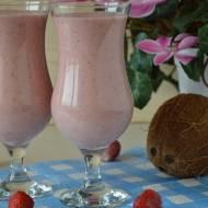 Koktajl truskawkowy z mleczkiem kokosowym