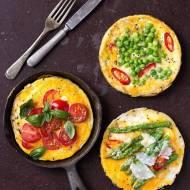 Szybka jednoosobowa frittata śniadaniowa. Zrób taką, jaką lubisz!