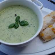 Kokosowo bazyliowa zupa z cukinią