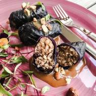 Gołąbki z czerwonej kapusty, kaczki i ryżu z sosem pralinowym