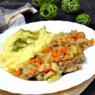 Karkówka duszona z warzywami