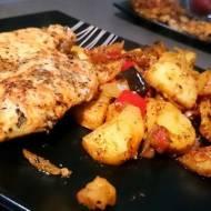 Filet z kurczaka pieczony na warzywach