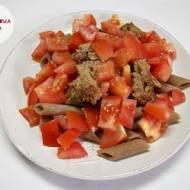 Mięso mielone z indyka z pełnoziarnistym makaronem i pomidorem