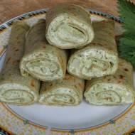 Pokrzywowe naleśniki z brokułem i serem