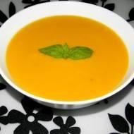 Zupa marchewkowo-imbirowa z mleczkiem kokosowym.