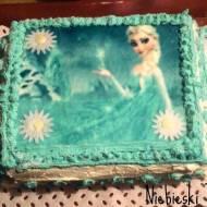 Niebieski tort z księżniczką