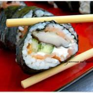Sushi maki z grzybami shitake