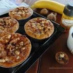 Muffiny bananowe z nasionami chia i orzechami włoskimi.