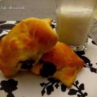 Drożdżówki z serem i kakaem
