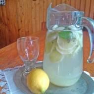 napój odchudzający z mięty i imbiru