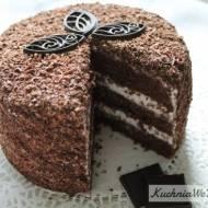 Tort mocno czekoladowy zmasą śmietanową
