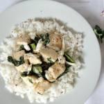 Szybki obiad: pierś z kurczaka z jarmużem