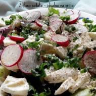 Zielona sałata z rzodkiewką i mozzarellą