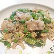 Smażony ryż z rybą po peruwiańsku – chaufa de pescado