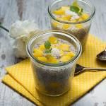 Pudding z tapioki i chia z mango