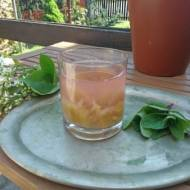 napój z rabarbaru i mięty