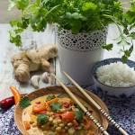 Czerwone curry z batatem i ciecierzycą (wegańskie)