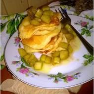 Karmelizowany rabarbar na puszystych placuszkach jogurtowych (z olejem rzepakowym)