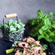 Smażony ryż z ośmiornicą i warzywami