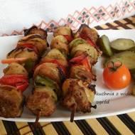 Szaszłyki wieprzowe z papryką i cebulą w marynacie staropolskiej.