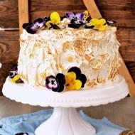 Tort czarna porzeczka z bezą włoską - wpis gościnny
