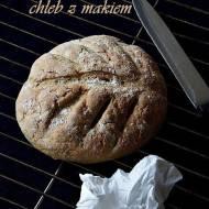 Pszenno-kukurydziany chleb z makiem