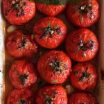 Pieczone pomidory  z musztardą francuską w  czerwonym winie