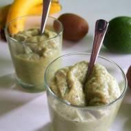 Smoothie/mus z awokado, bananem i kiwi - bez cukru