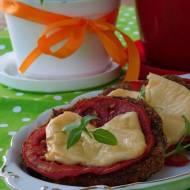 Bakłażan zapiekany z pomidorem i serem