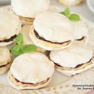 ciasteczka maślane z bezą i marmoladą