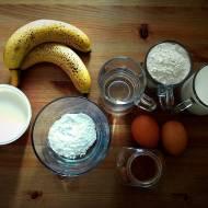 Naleśniki z bananami i bitą śmietaną