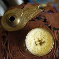 MANGO LASSI – tradycyjny indyjski napój jogurtowy z mango