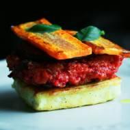 Burger jaglano-buraczany w tofu