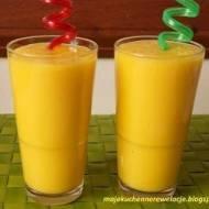 Orzeźwiające smoothie z  mango i  ananasa
