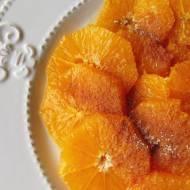 Pomarańcza z cynamonem - Pomysł na subtelny i lekki deser