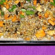 Zapiekana kasza gryczana z warzywami i kurczakiem.