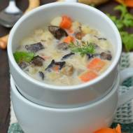Zupa grzybowa z zakwasem żytnim