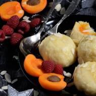 Domowe knedle z owocami