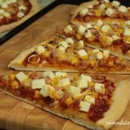 Pizza z fetą i boczkiem