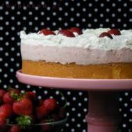Truskawkowe ciasto na kaszy mannej