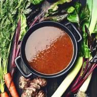 Sezonowa zupa jarzynowa