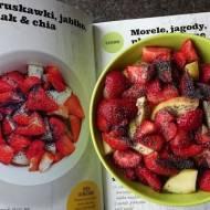 Truskawki, jabłko, mak i chia, czyli zdrowe śniadanie raz!
