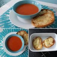 Zupa pomidorowa z serowymi grzankami