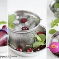 Delikatnie miętowe wodne lody z dodatkiem czereśni