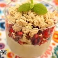 Odchudzający jogurt z granatem i chałwą