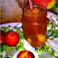 Mrożona herbata nektarynkowa. Domowa wersja owocowej ice tea.